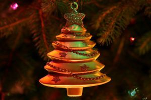 christmas-ornaments-3-691401-m