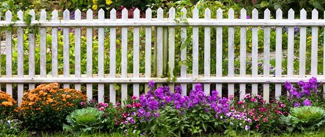 Nyt træ rækværk: Havehegn, stakit eller hegnspæle?